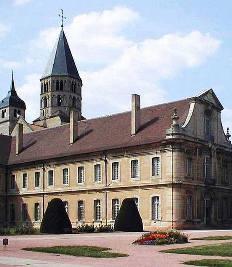 Opactwo w Cluny. Źródło: www.wikipedia.pl